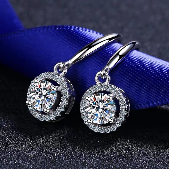 Pt950 platinum moissanite diamond dangle Earrings